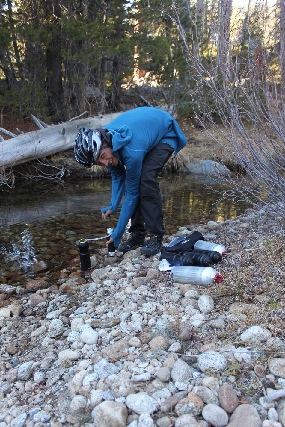 Hier wird grad mit unserem Filter sauberes Wasser noch sauberer gemacht.
