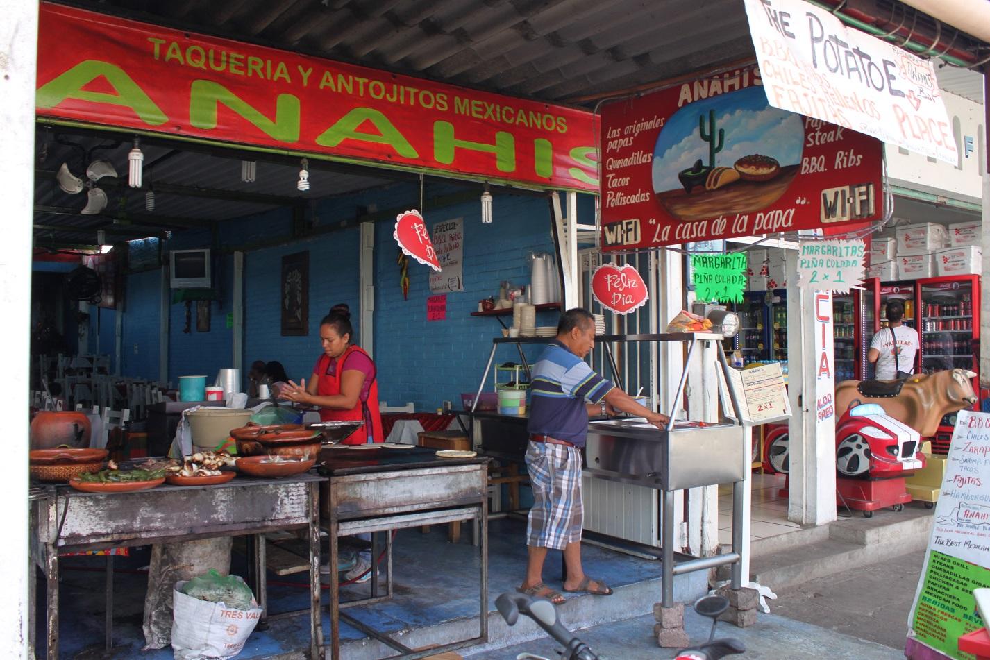 Mittagessen in La Peñita De Jaltemba