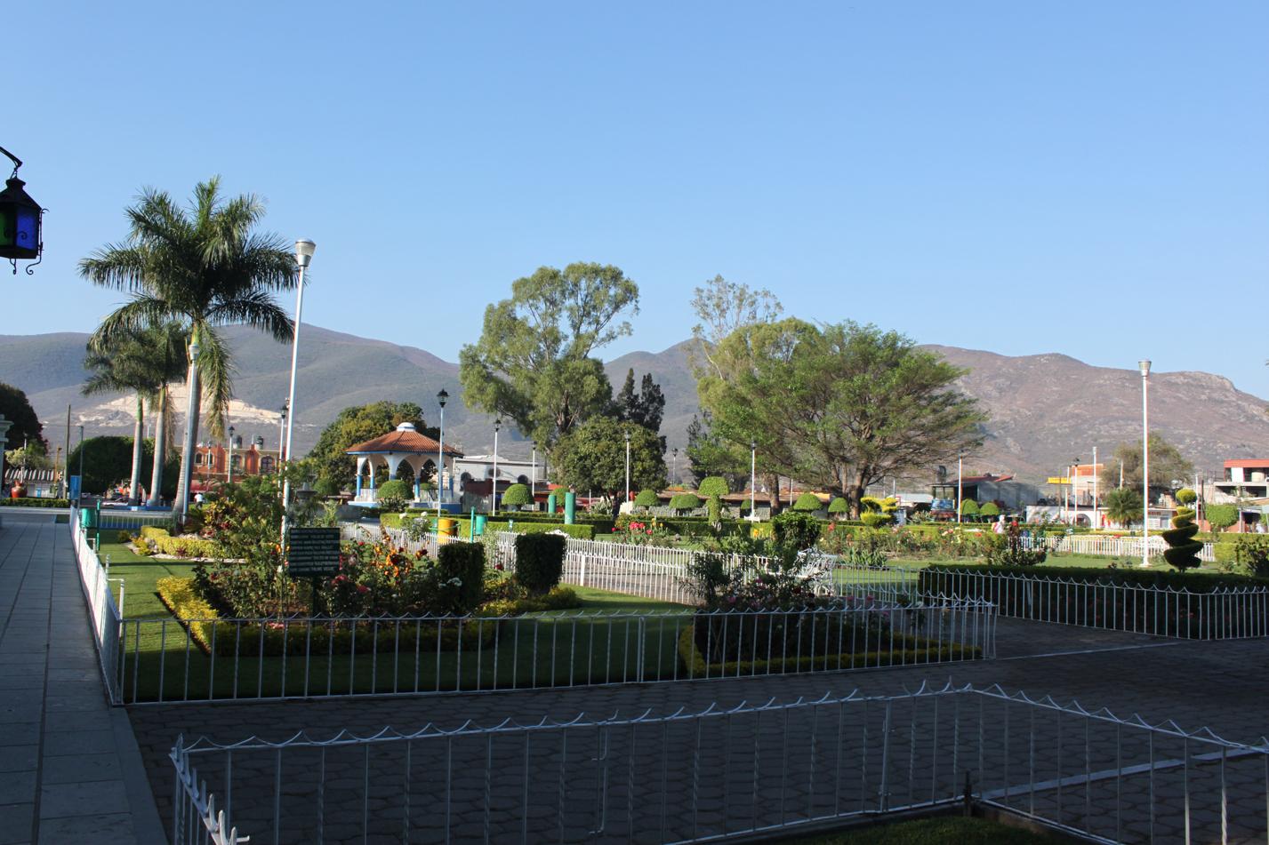 Selbst in kleineren Ortschaften sind diese prachtvollen Gartenanlagen zu finden