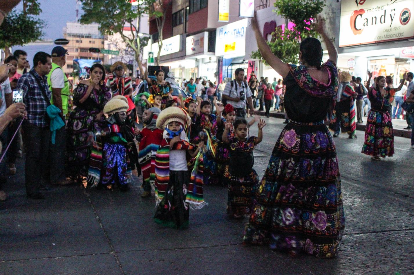 Es wurde die Kultur mit Trachten und Bräuchen der Indigenas gelebt