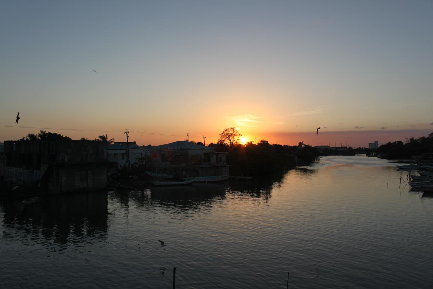 Mit diesem Sonnenuntergang wurden wir von Belize City verabschiedet.