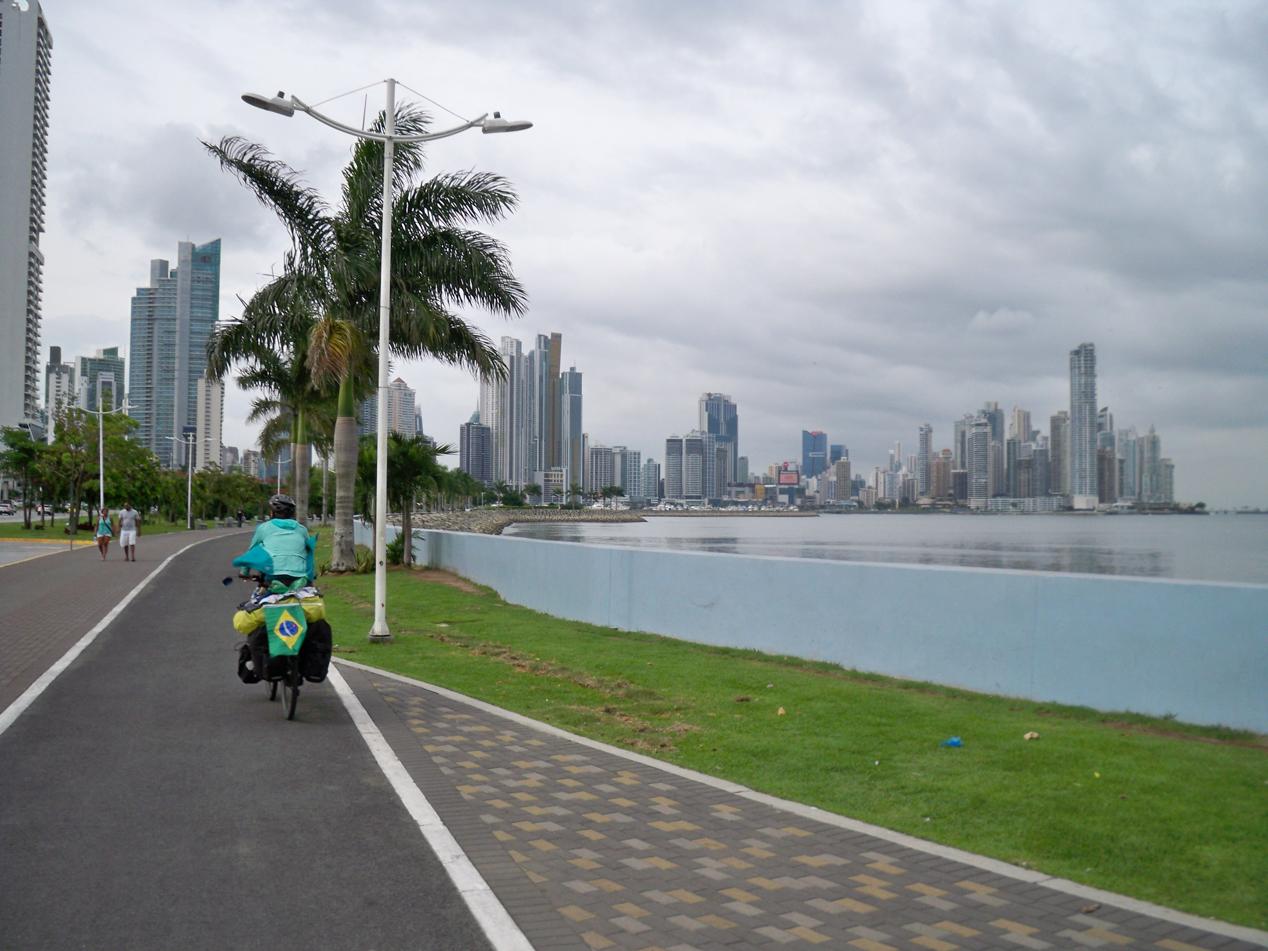 Ist das New York oder ist das wirklich Panama City. Diese Skyline hatten wir so nicht erwartet.