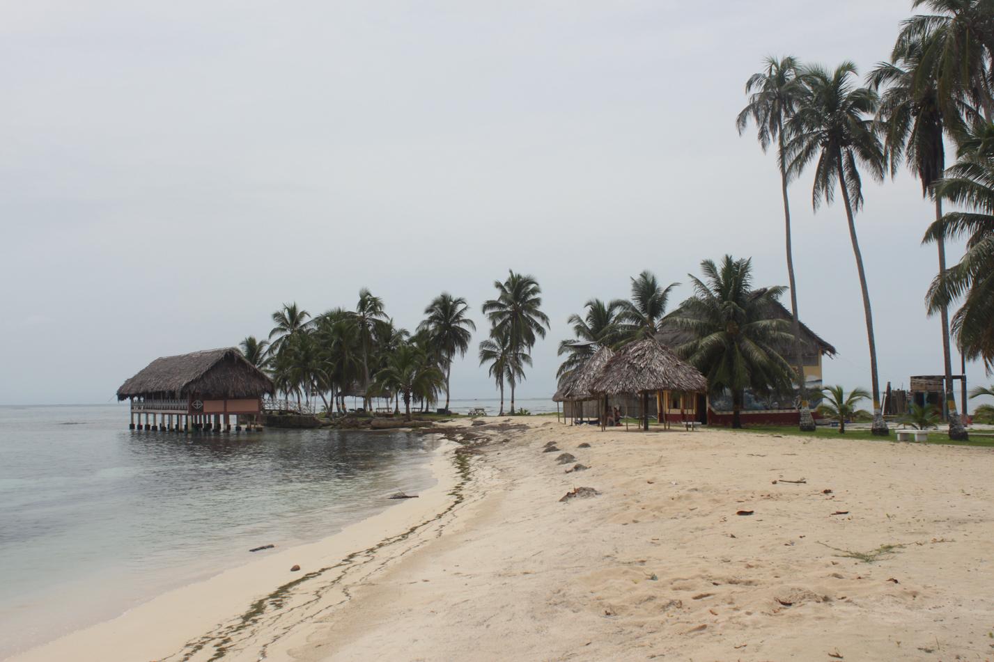 Ab dieser Insel Richtung Süden erstreckt sich das autonome Gebiet der Cunas.