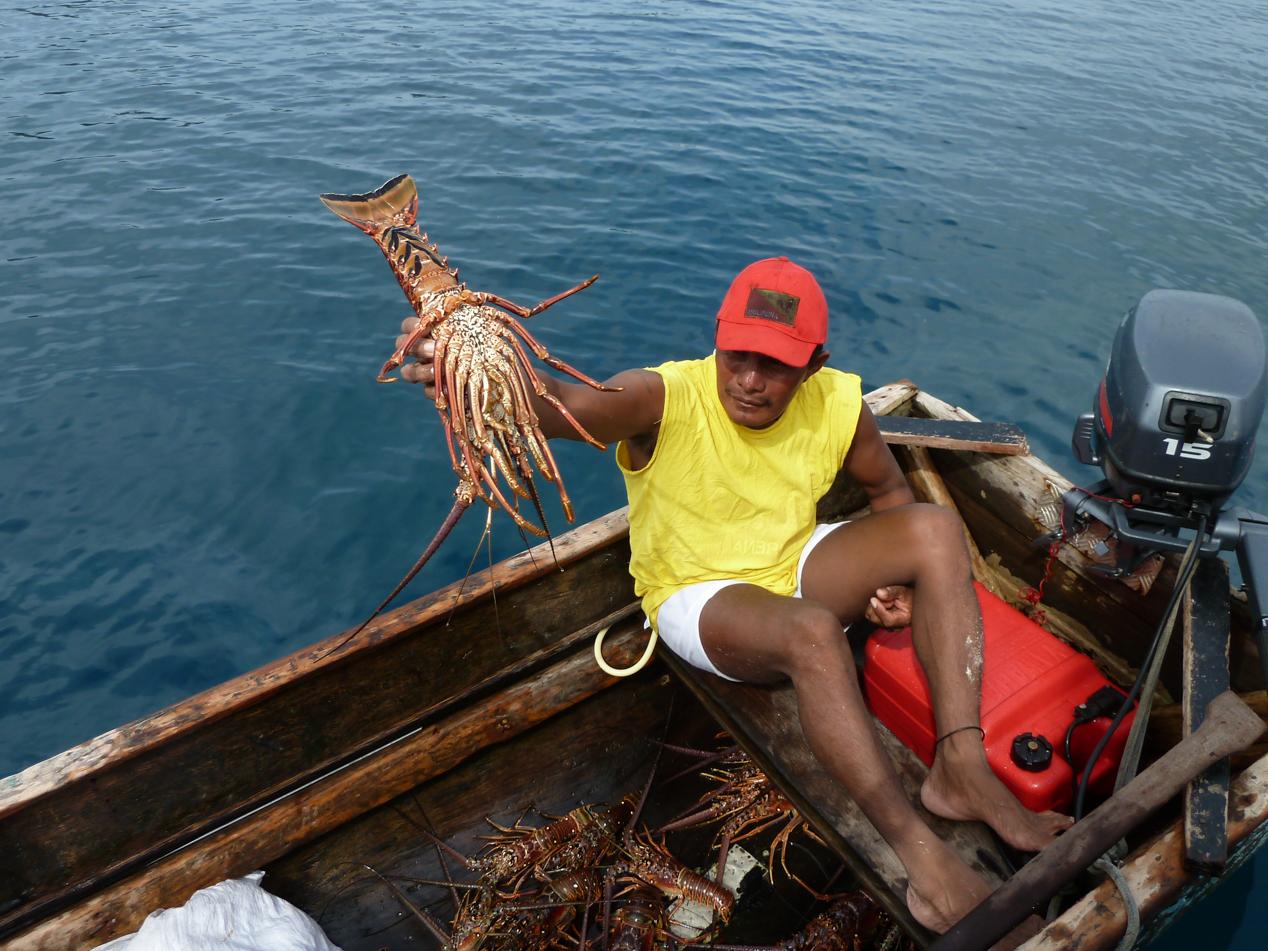 Die Cunas kamen oftmals mit ihren stolzen Fängen an unser Boot. Unser Kapitän Victor hat auch immer kräftig zugeschlagen.