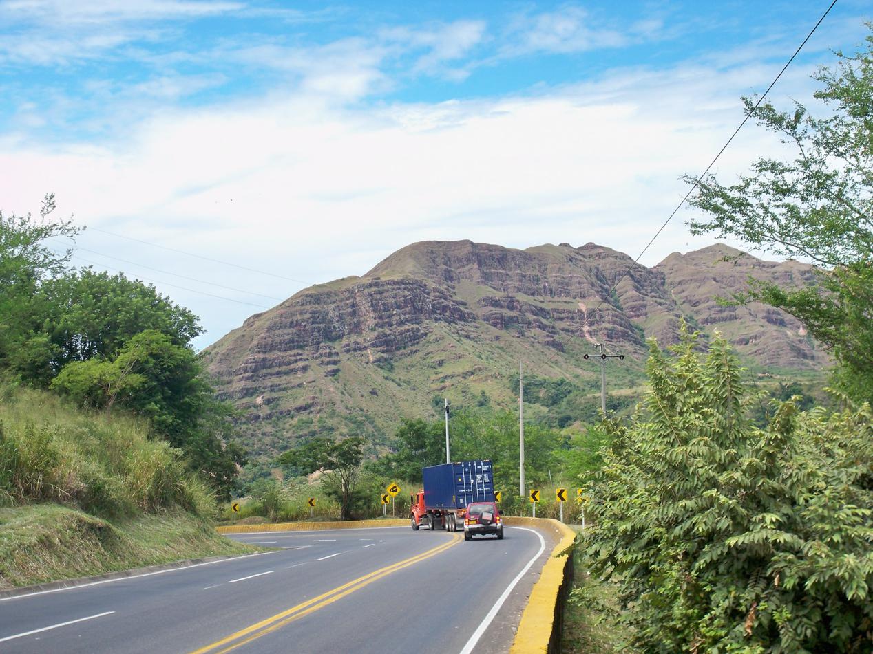Tolle Ausblicke auf eine Berglandschaft, wie wir sie aus Arizona kennen.