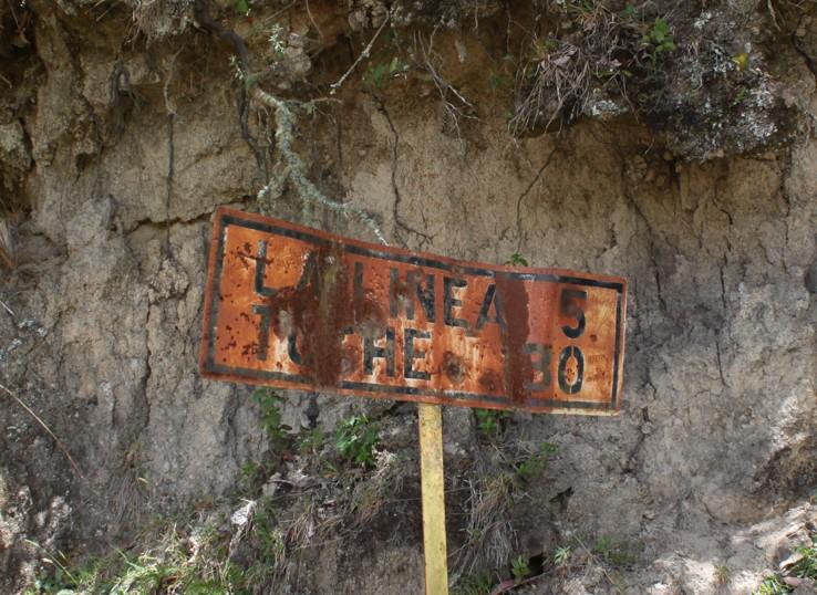 Puh.. nur noch 5 Kilometer bis zum Pass. Toche in 30Km soll die nächste Ortschaft auf diesem Feldweg sein.