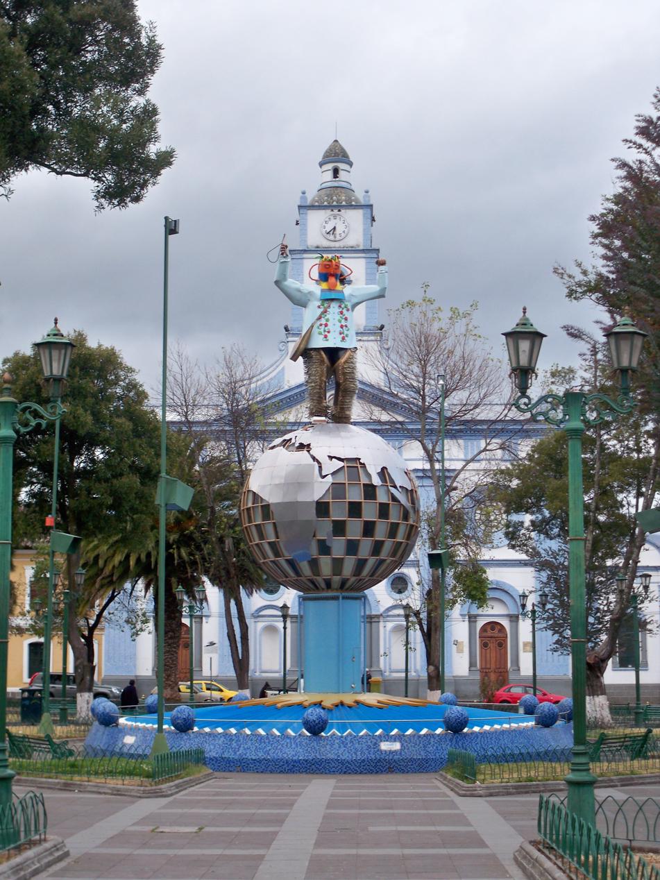 Blick auf den Hauptplatz von Cayambe.