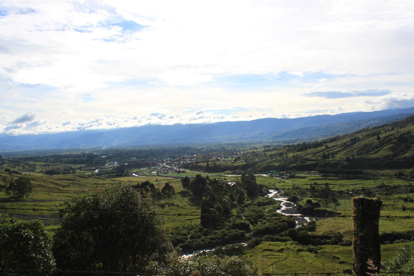 Blick in das Tal von Sinbundoi.
