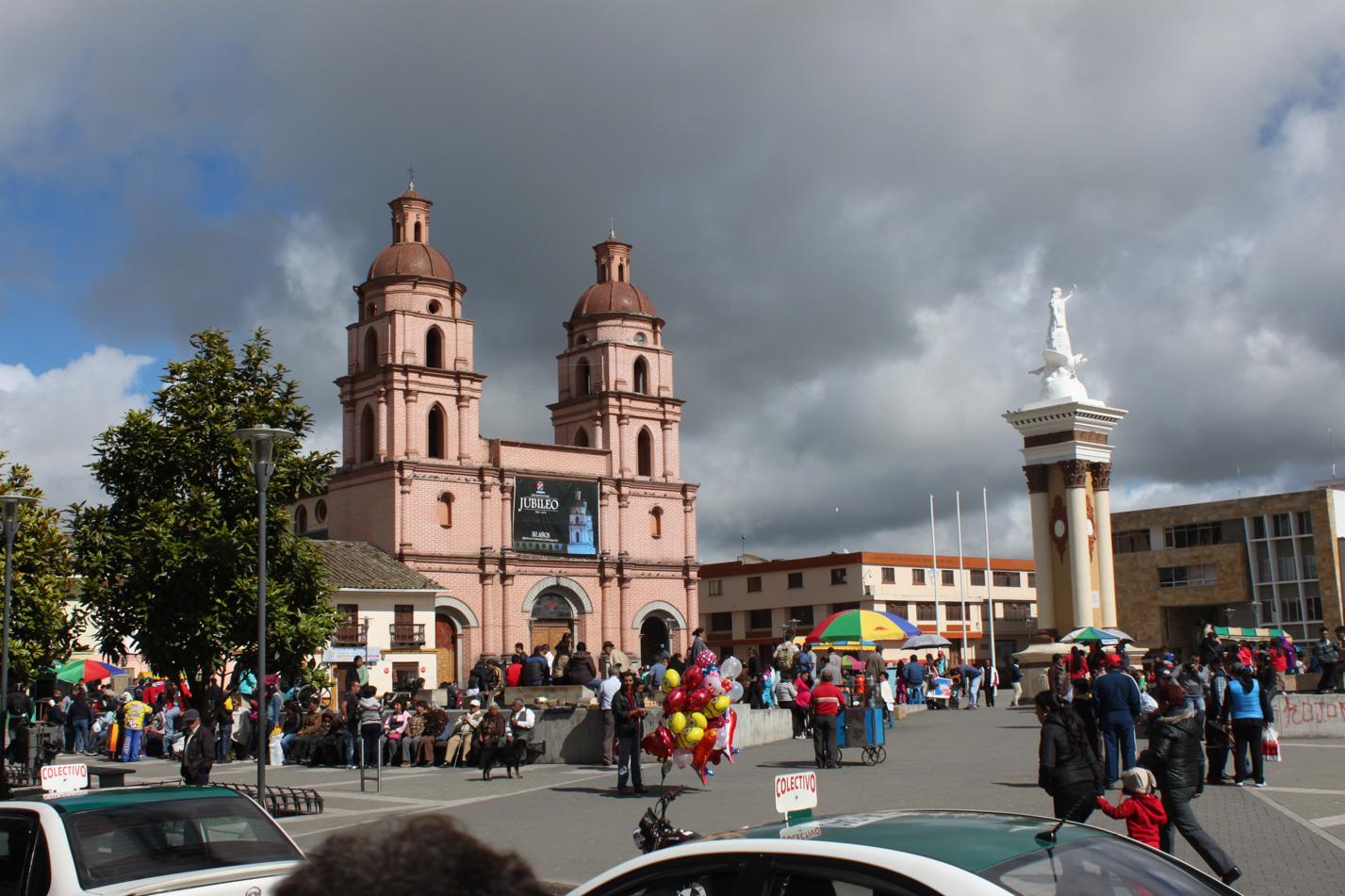 Blick über den Hauptplatz von Ipiales.