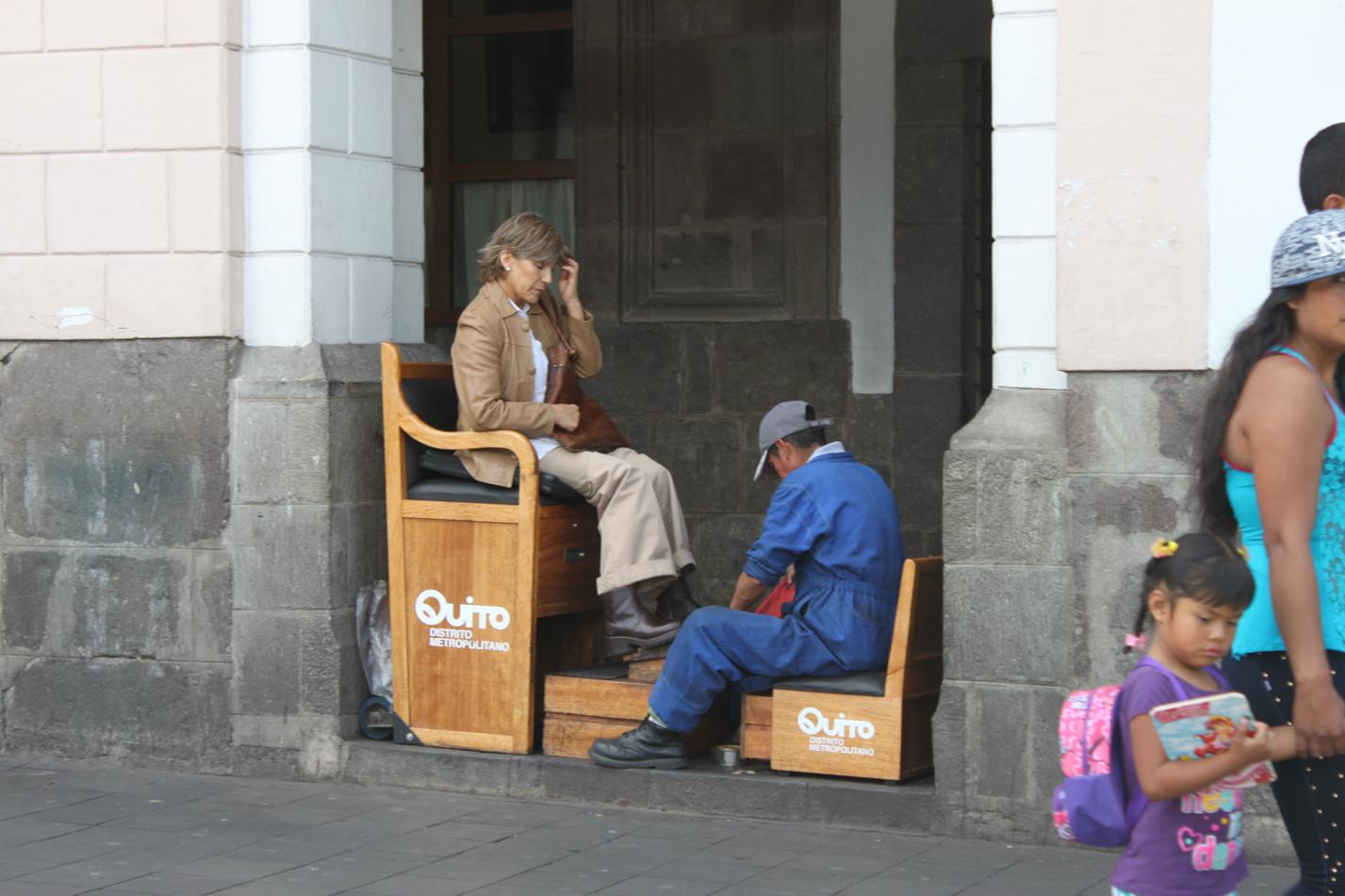 Schuhputzer gehören seit Mexiko fest zum Bild von jedem Hauptplatz.