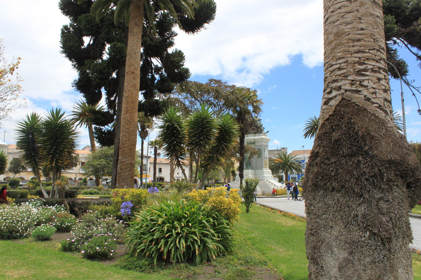 Blick über den Hauptplatz von Latacunga.