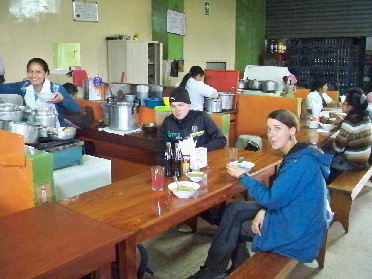 Mittagessen im Mercado.