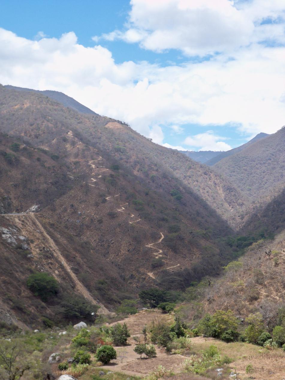 In diesem Tal ging es für uns von etwa 200 Hm in Olmos, auf 1.400 Hm in Chinche, hinauf.