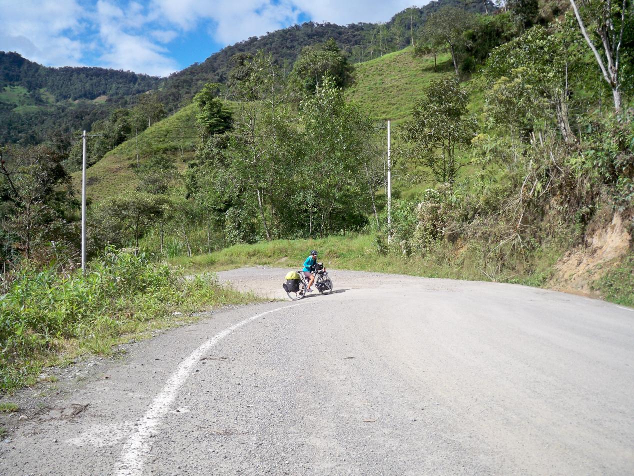 War die Straße am Vortag nach La Capilla sehr angenehm zu fahren, so hatten wir auf der weiteren Strecke nach Cutervo ganz schön zu kämpfen.