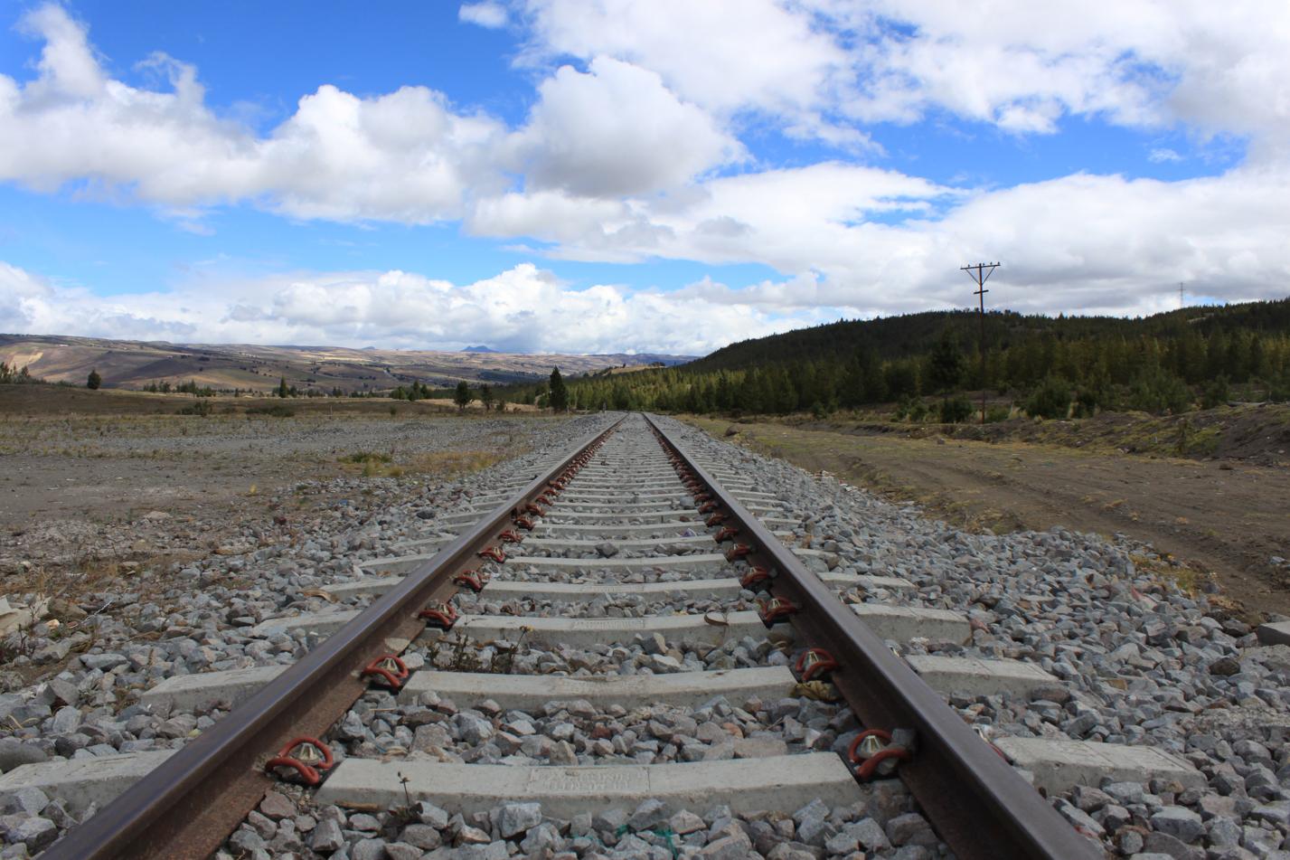Hier in Ecuador gibt es sogar eine Eisenbahnlinie. Diese hat heute aber nur noch touristischen Charakter.