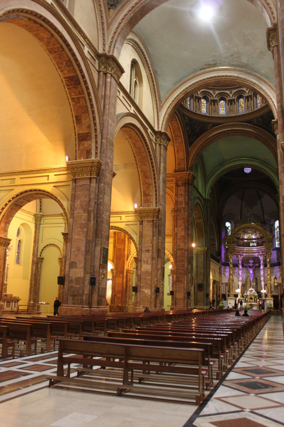 Blick in die Kathedrale von Cuenca. Hier sollen 10.000 Personen Platz haben.