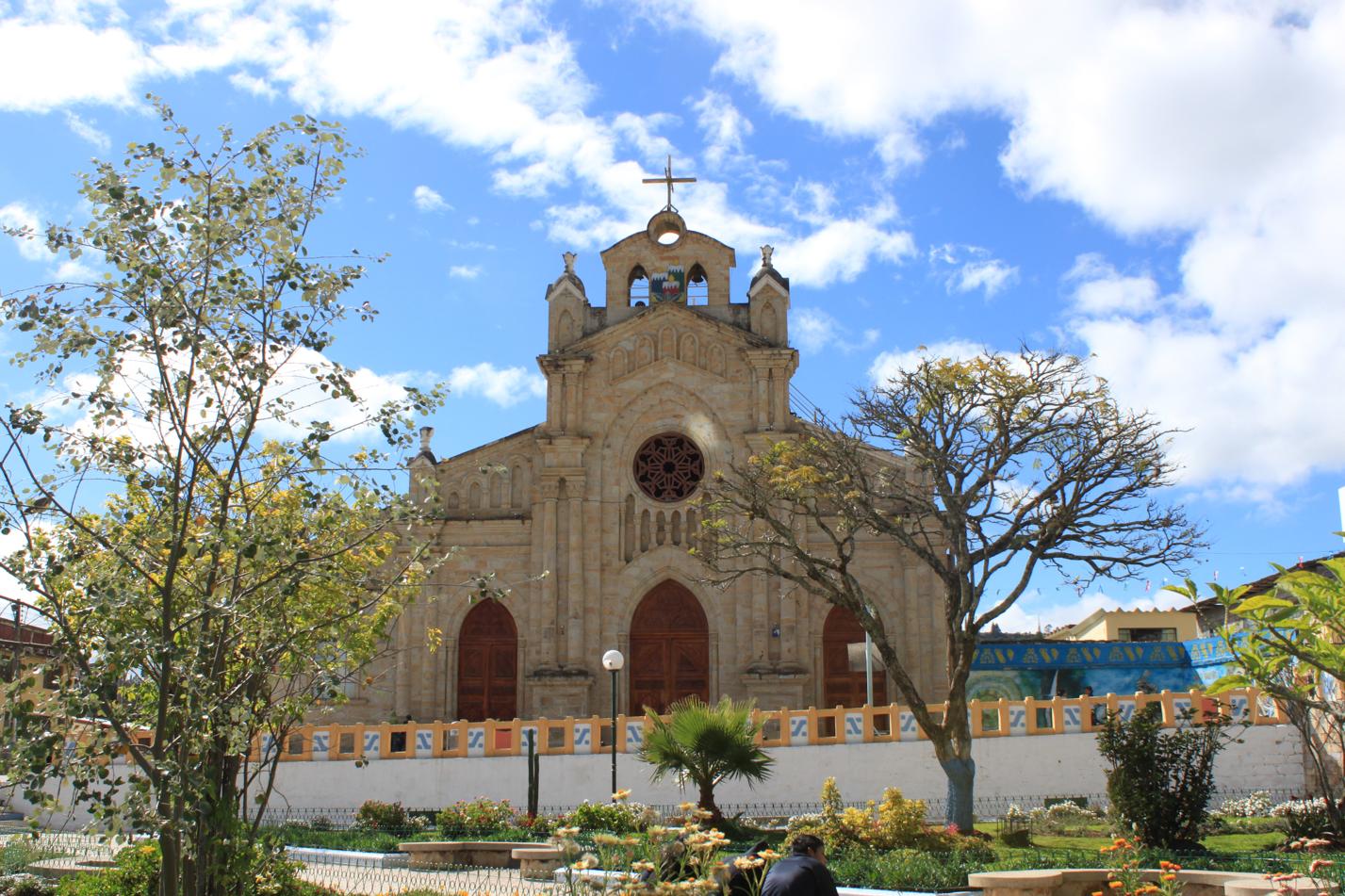 Blick über den Hauptplatz von Saraguro.