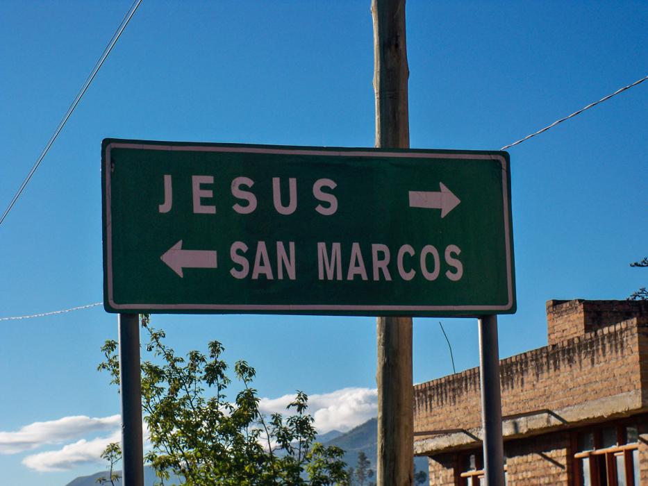 Zu Jesus rechts rum. Diesmal haben wir ihn nicht besucht, denn unser Weg ging links rum.