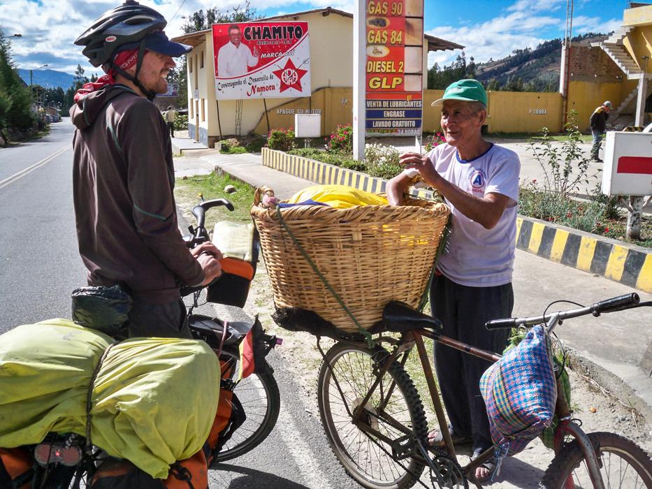 Zum Glück gibt es in Peru die Bäcker - Räder. Haben wir doch glatt vergessen Brötchen einzukaufen.