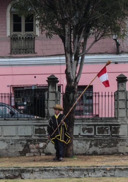 Einige Festivitäten waren im Gange und die Fahne von Peru war stets präsent.