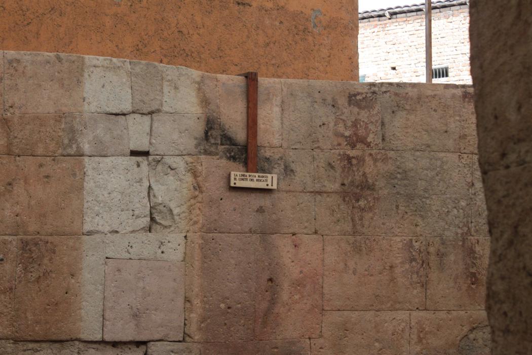 Markierung im Gefängniszimmer.
