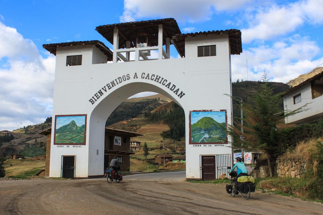 Eingangstor zu Cachicadan.