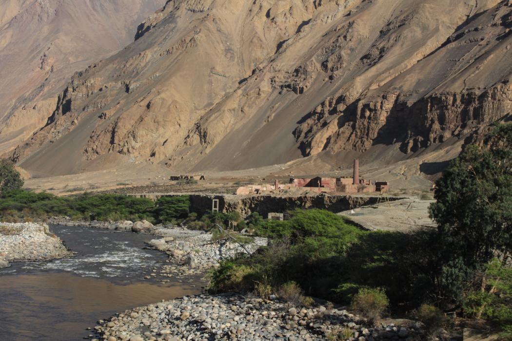 Das Tal ist Teil einer alten Handelsrute, welche sich von der Küste hoch in die Berge nach Huaraz zieht. Noch heute sind hier viele Zeitzeugen einer lebhafteren Vergangenheit zu bestaunen. Viele dieser verfallenen Fabrikkomplexe säumen das Tal. Hier waren wohl früher kleinere Minentätigkeiten im Gange.