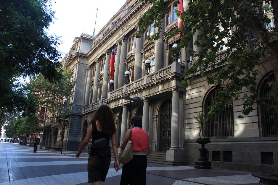 Wir haben das große Glück in Santiago bei Paulina untergekommen zu sein. Mit ihr haben wir am Sonntag einen Stadtrundgang durch die historische Altstadt unternommen.