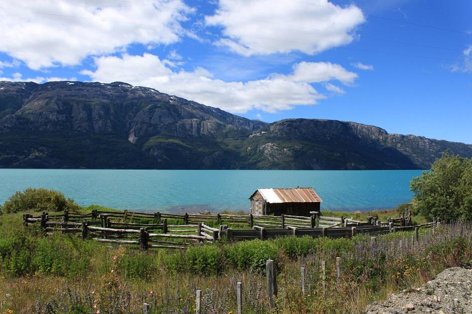 Der Lago General Carrera ist einer unserer bisherige Höhepunkte auf der Carratera Austral. Die Farbe ist original!